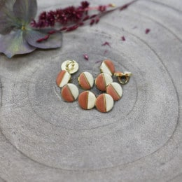 Wink Buttons Off-White - Melba