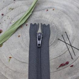 Zip Charcoal Atelier Brunette