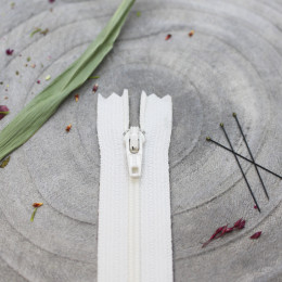Atelier Brunette Off-White Zipper